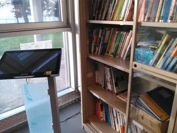 """Postazioni informatiche per l'utenza e per il personale - Collocazione totem: Scuola Secondaria di Primo Grado """"Don Bosco"""" (POMM81601B)"""