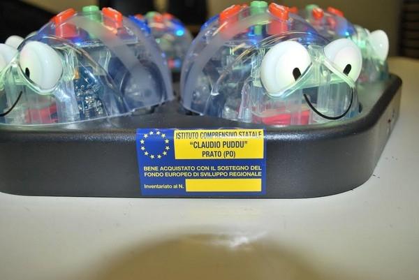 """Laboratori mobili - Etichetta del kit robot didattici: Scuole dell'Infanzia (POAA816017, POAA816028) e Scuole Primarie """"Claudio Puddu"""" e """"Gianni Rodari"""" (POEE81601C, POEE81602D)"""