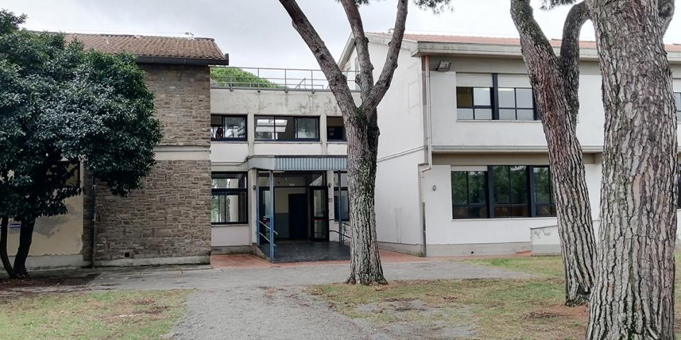 Foto Ingresso Laterale Scuola Primaria Puddu – Maliseti
