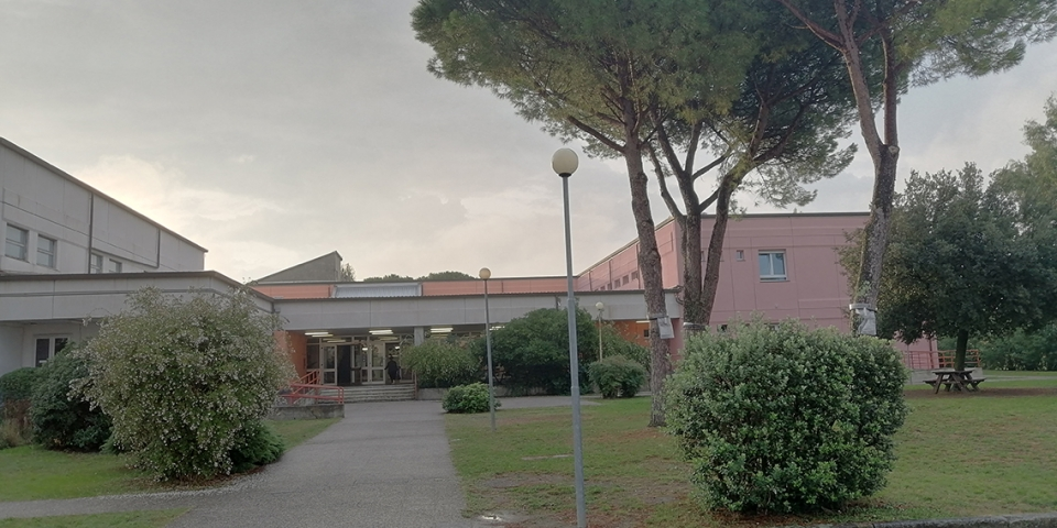 Foto Ingresso Scuola Primaria Rodari – Viaccia